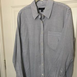 Banana Republic button front striped shirt - med